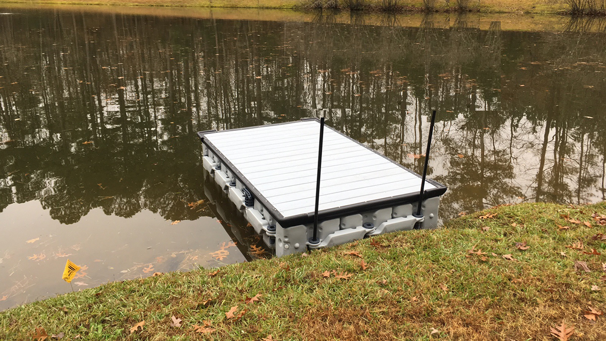 8-ft.-x-5-ft.-Floating-Dock-with-Decking