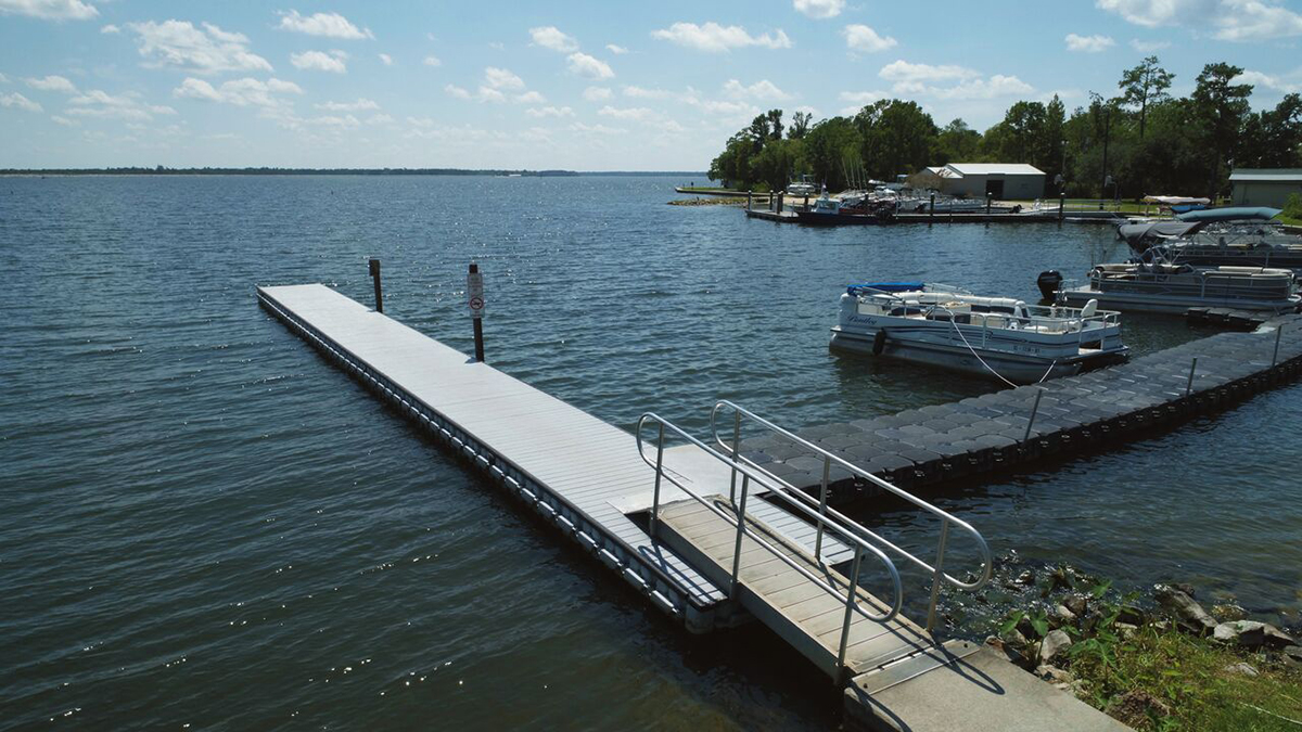 80-ft.-x-6.4-ft.-200-Blocks-Dock-Blocks-Floating-Dock-with-HDPE-Decking