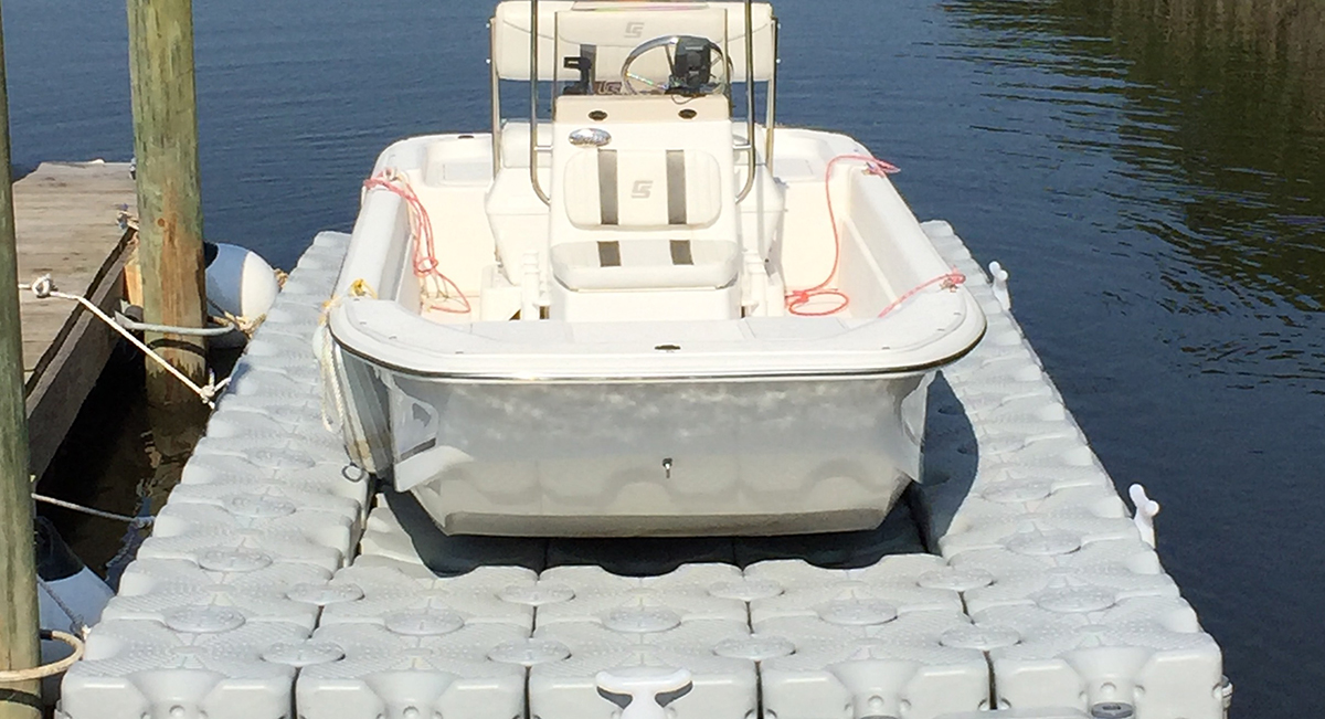 17.6-ft.-X-8-ft.-54-Blocks-Flat-bottomed-skiff-lift