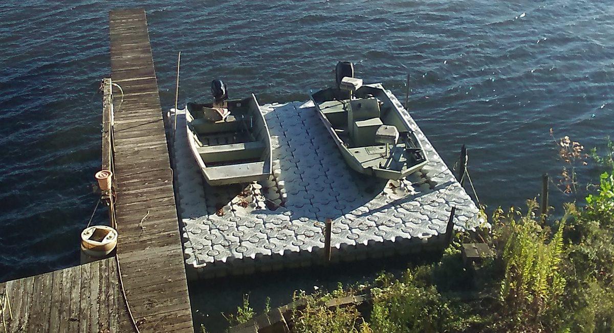 2-boat-skiff-lift